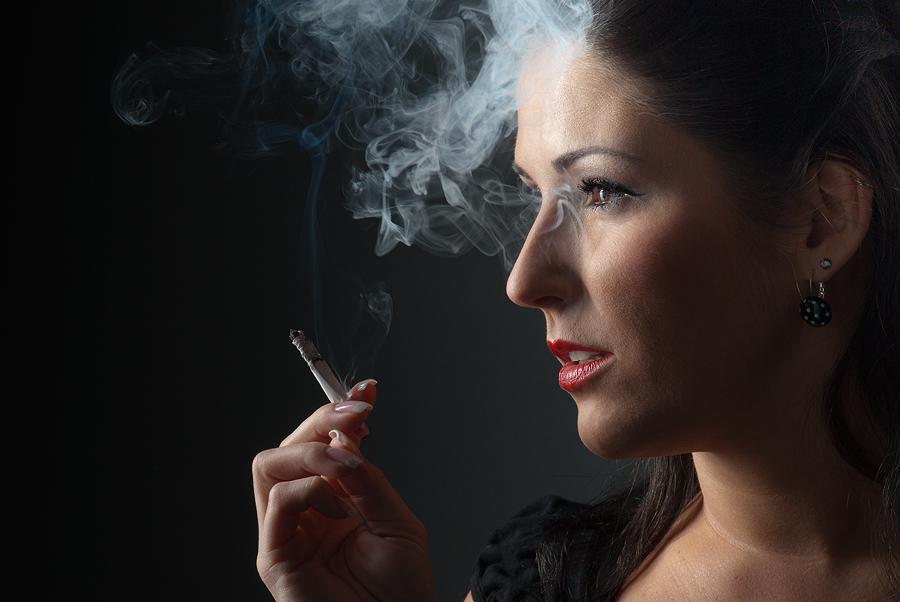 _die Raucherin_