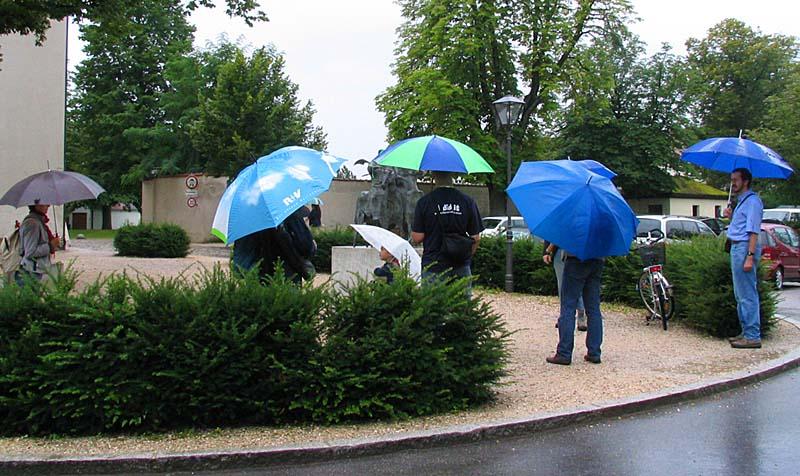 die Regenschirm FC`ler... :-)