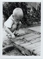 Die Regenwürmer waren meine einzigen Freunde. Wir hatten ja nix, damals.