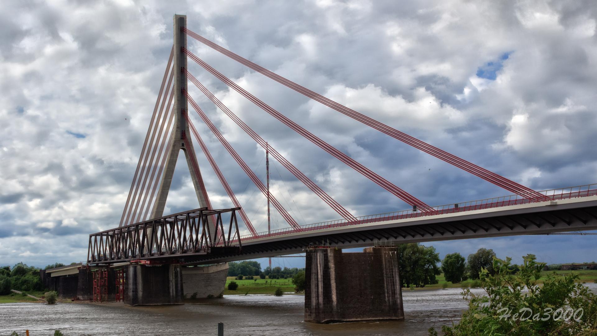 Die Rheinbrücke von Wesel 001