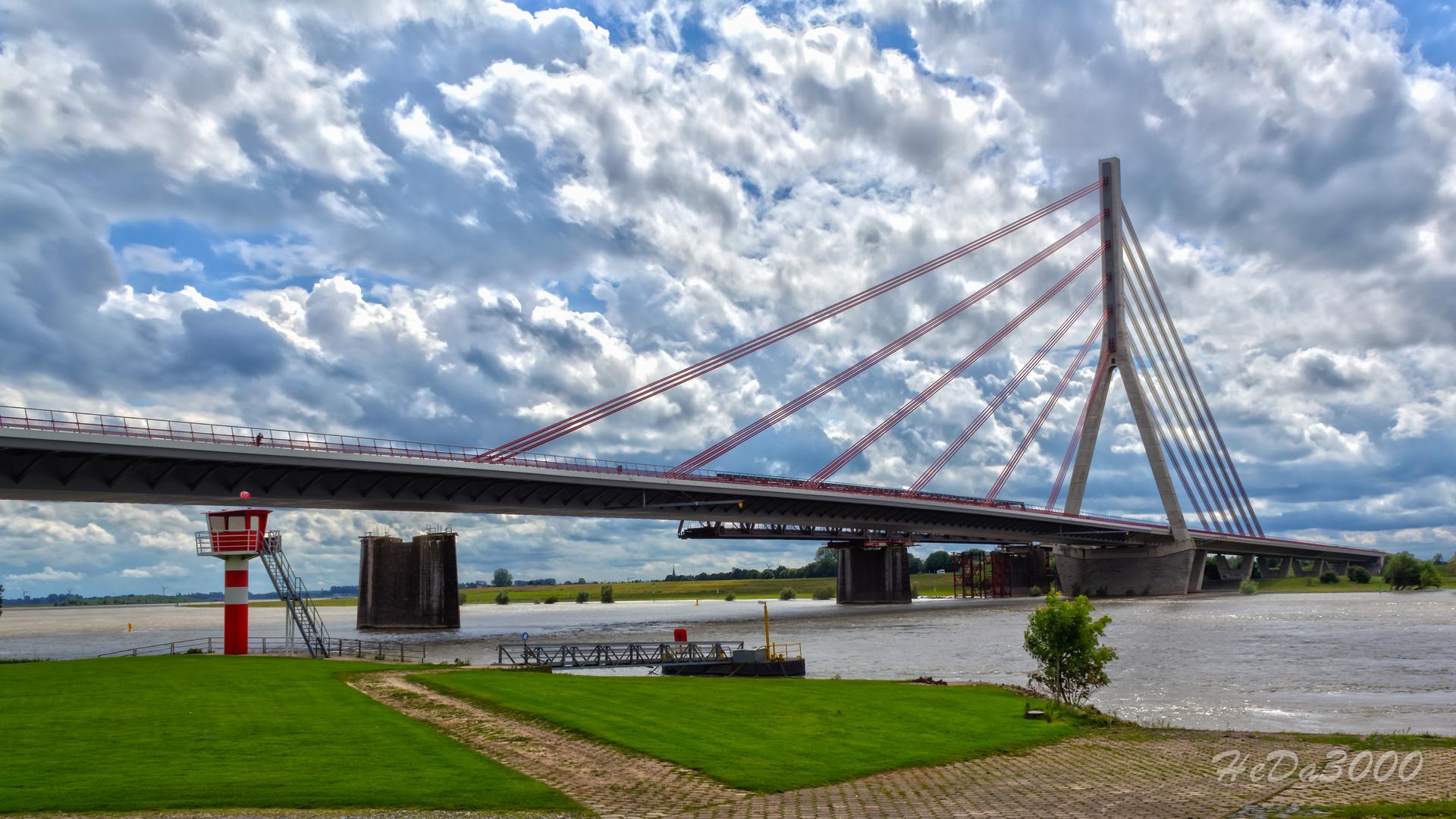 Die Rheinbrücke von Wesel 002