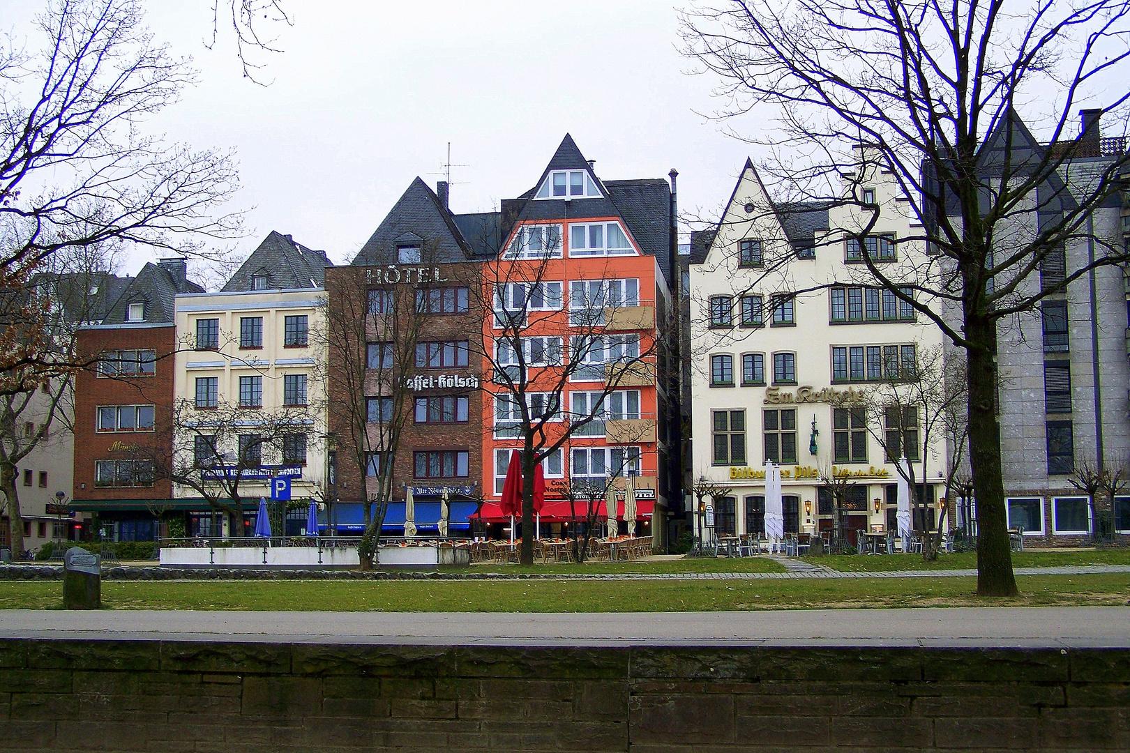 Die Rheinpromenade