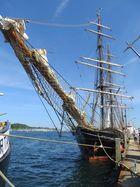 Die Roald Amundsen im Hafen von Eckernvörde