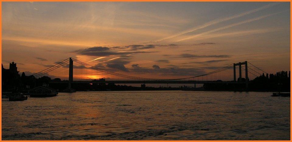Die Rodenkirchener Brücke nach dem Essen.