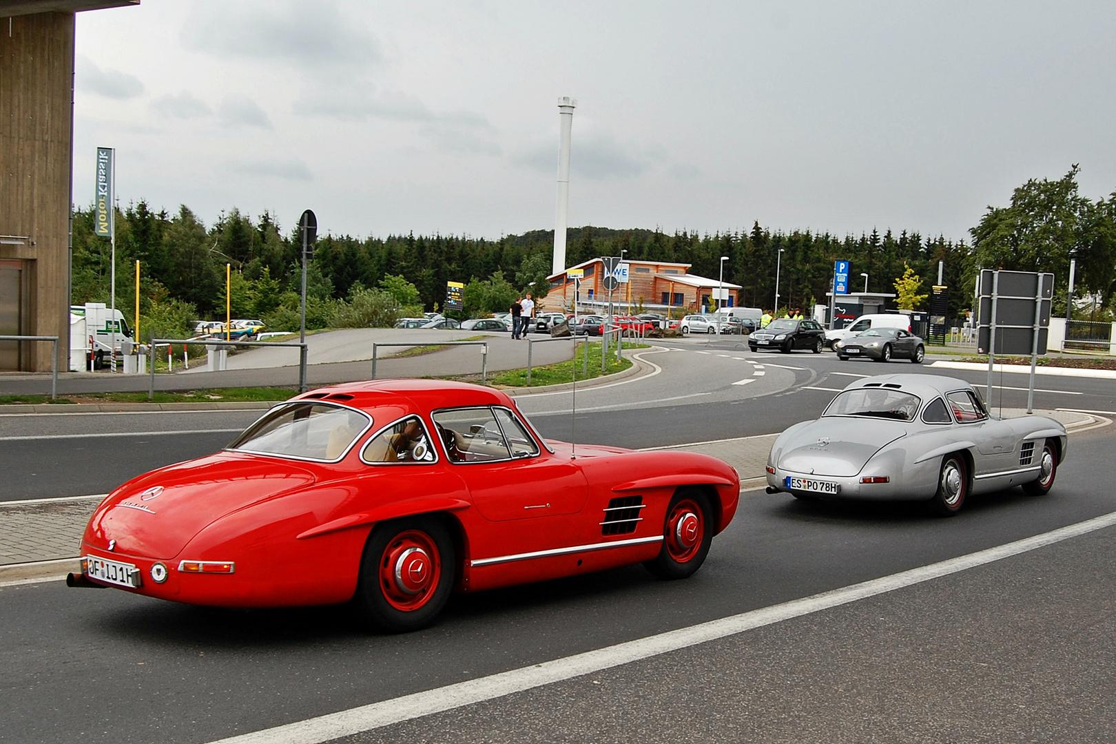Die rote und die silberne Schönheit!