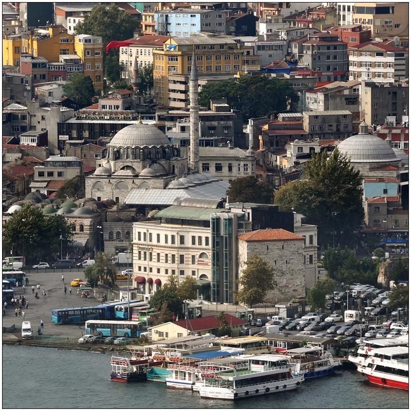Die Rüstem Pasa Camii in Eminönü
