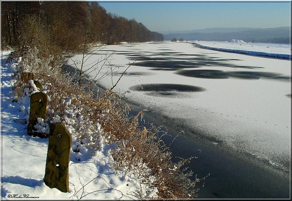 * Die Ruhr ist fast zugefroren *