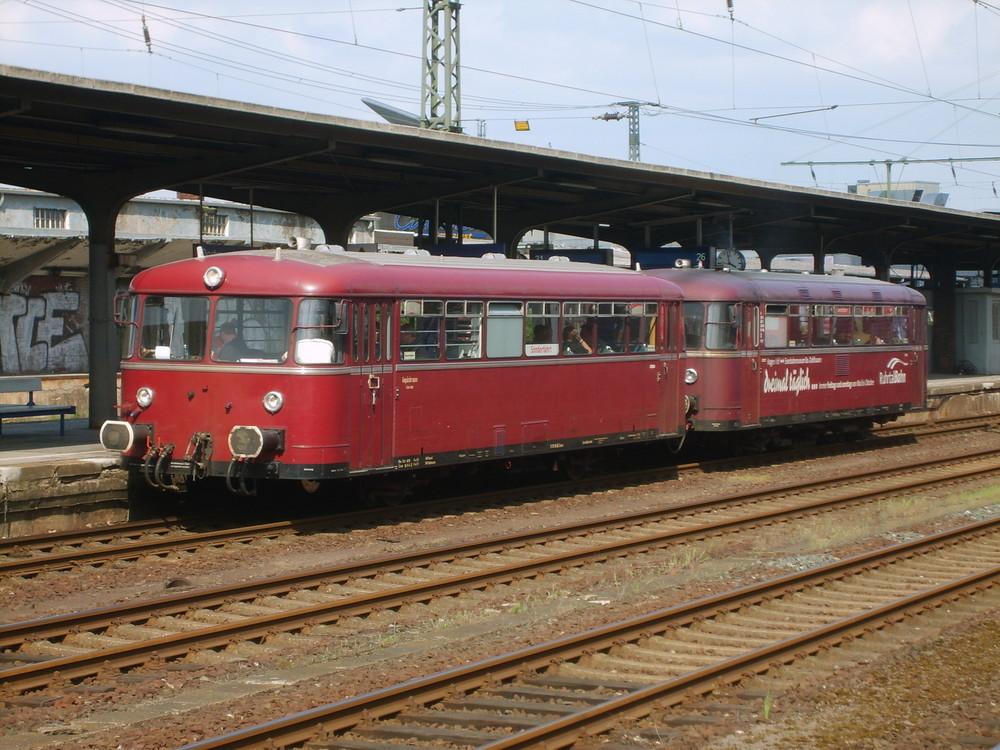 Die Ruhrtalbahn - Schienenbus auf dem ZechenExpress