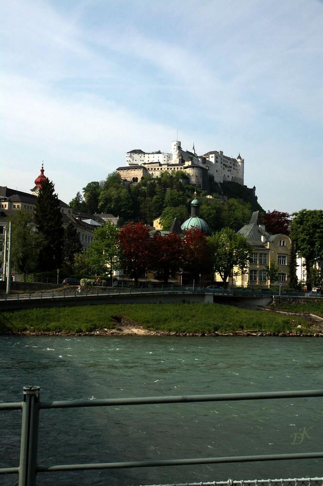 Die Salzach mit der hohen Salzburg