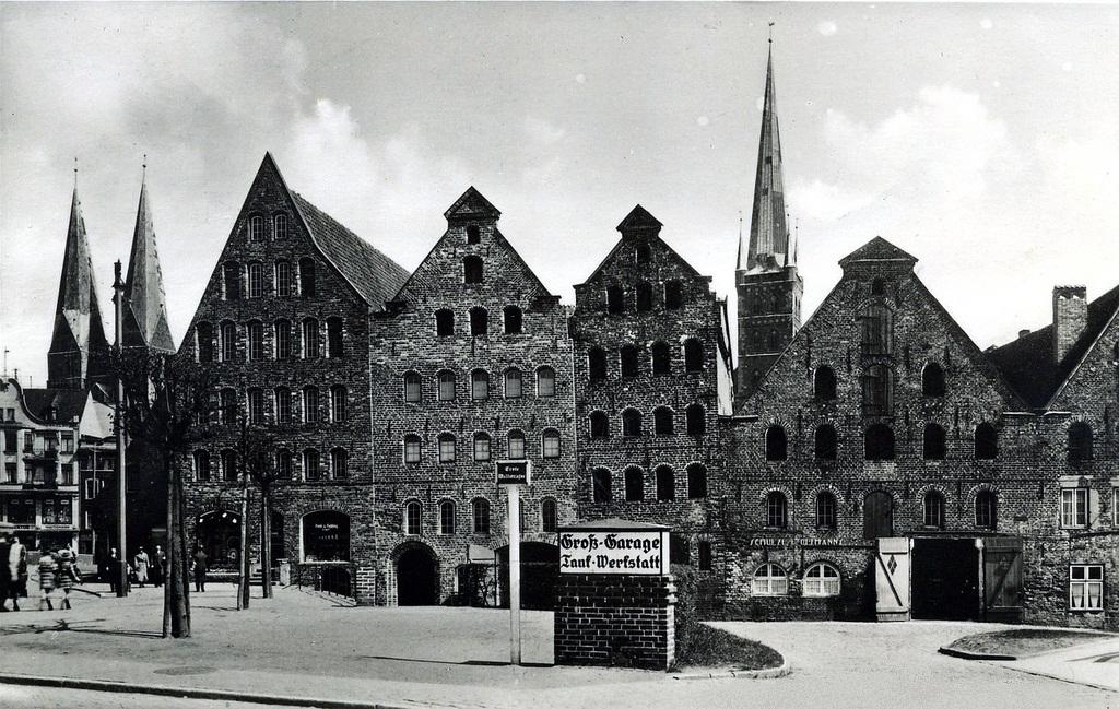 Die Salzspeicher in Lübeck um 1900