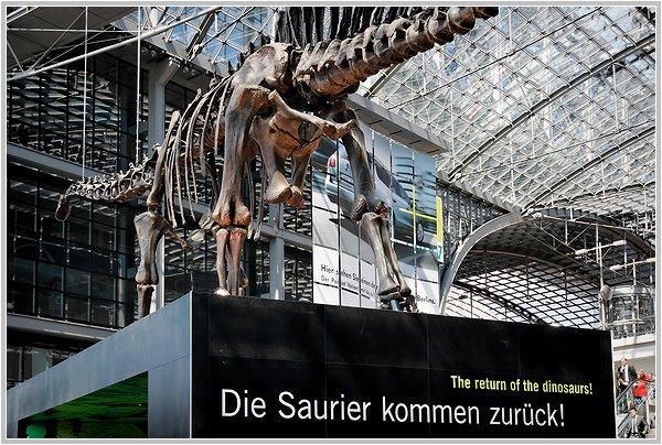 """""""Die Saurier kommen zurück!"""""""