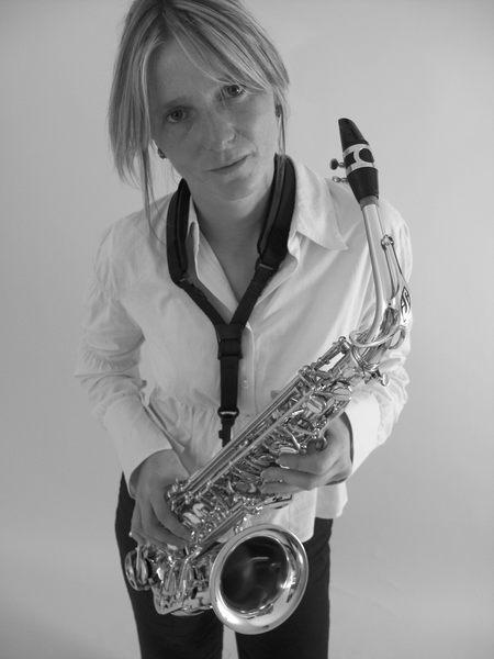 Die Saxophonistin 1