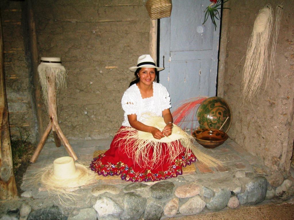 Die schöne Hutmacherin aus Ecuador