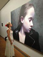 Die Schöne und das Bild ( Gottfried Helnwein in der Albertina in  Wien )