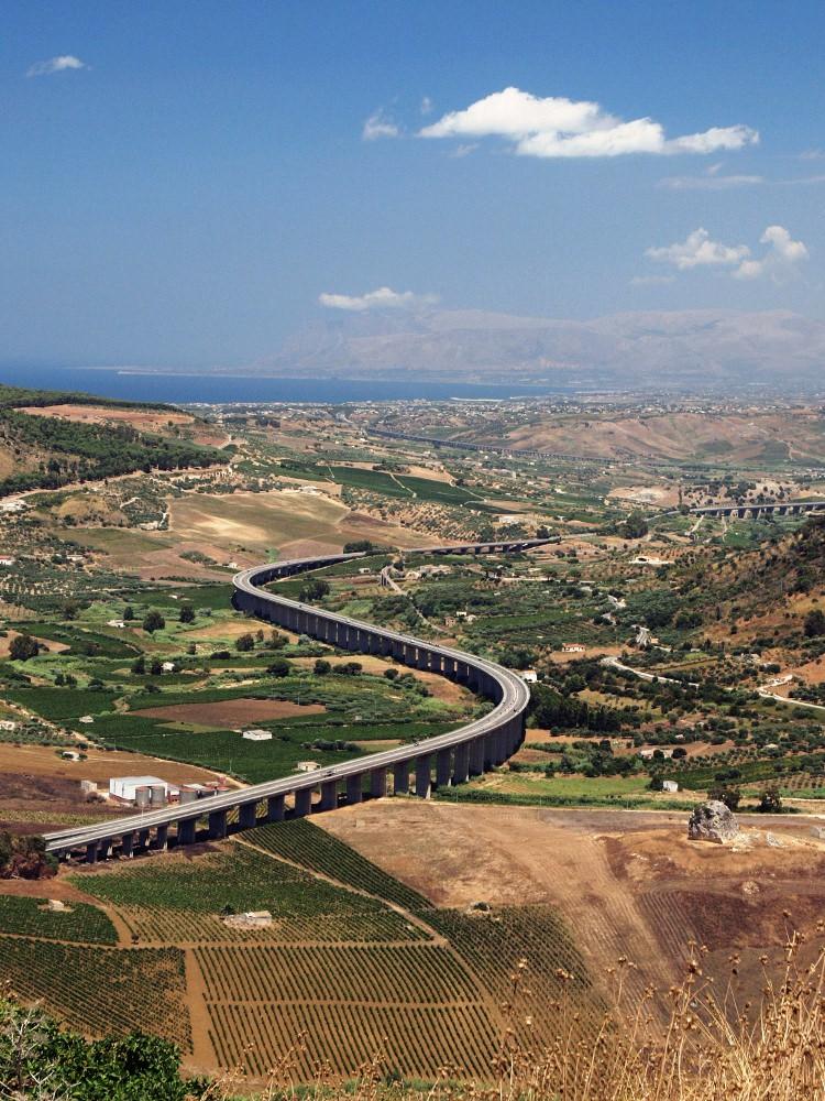 die schönste Autobahnkurve Siziliens