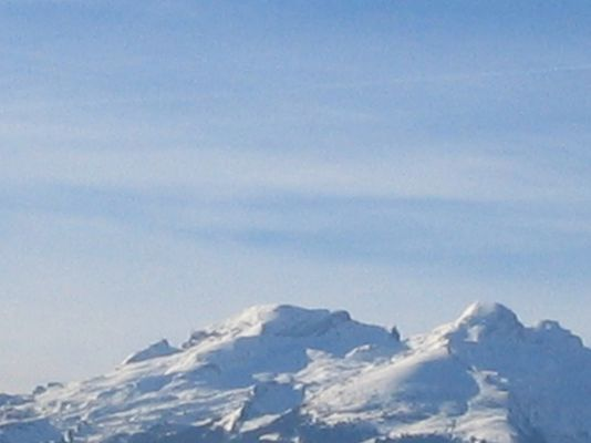 Die Schweizerberge im Sonnenschein