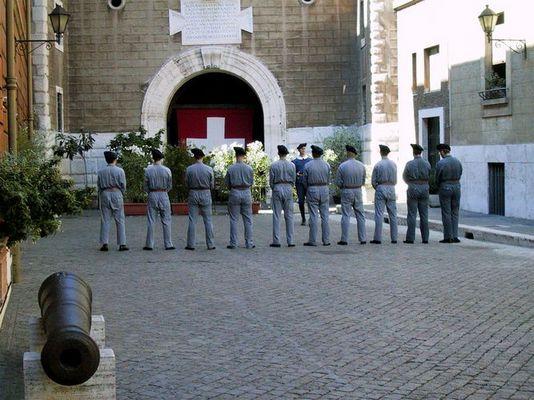 Die Schweizergarde am exerzieren