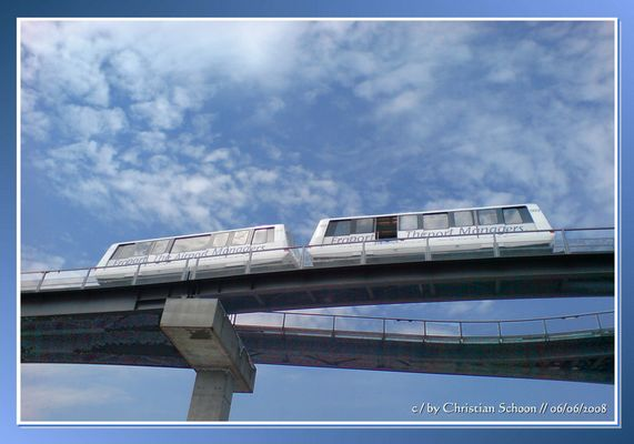 Die Sky-Train-Bahn auf Fraport / Frankfurt am Main