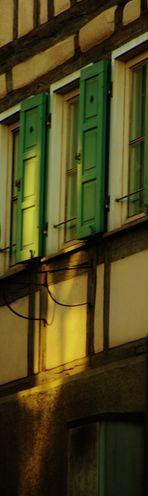 die Sonne auf alten Häusern , oder Teil   Ansichten