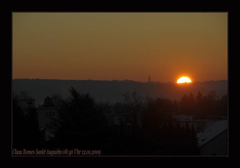 Die Sonne begrüßt den Tag