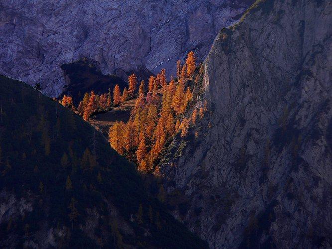 Die Sonne geht auf in den Bergen Tirols