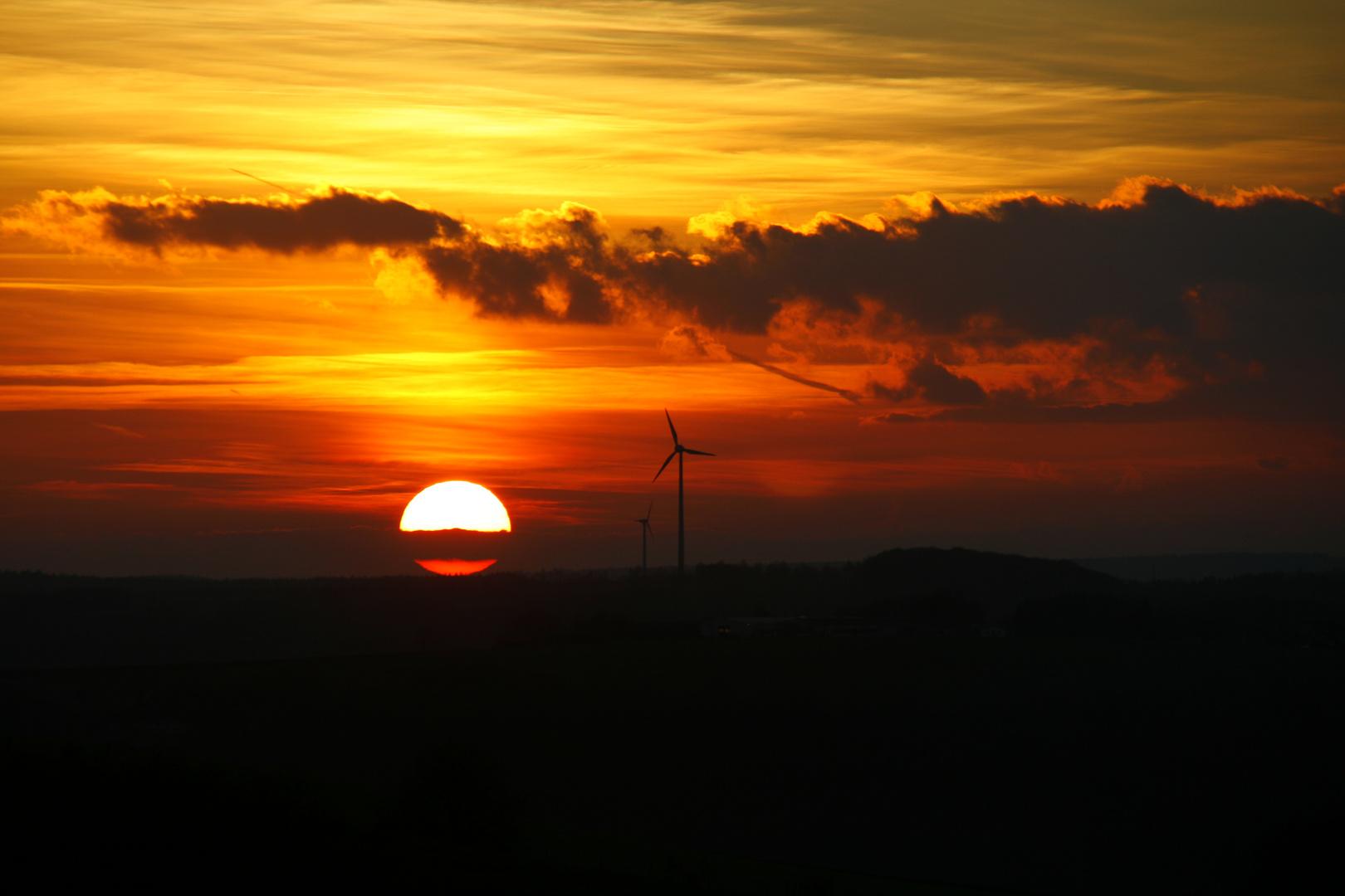 """""""Die Sonne geht jetzt auch ins Bett, ich find' sie macht das ganz schön nett...!"""""""