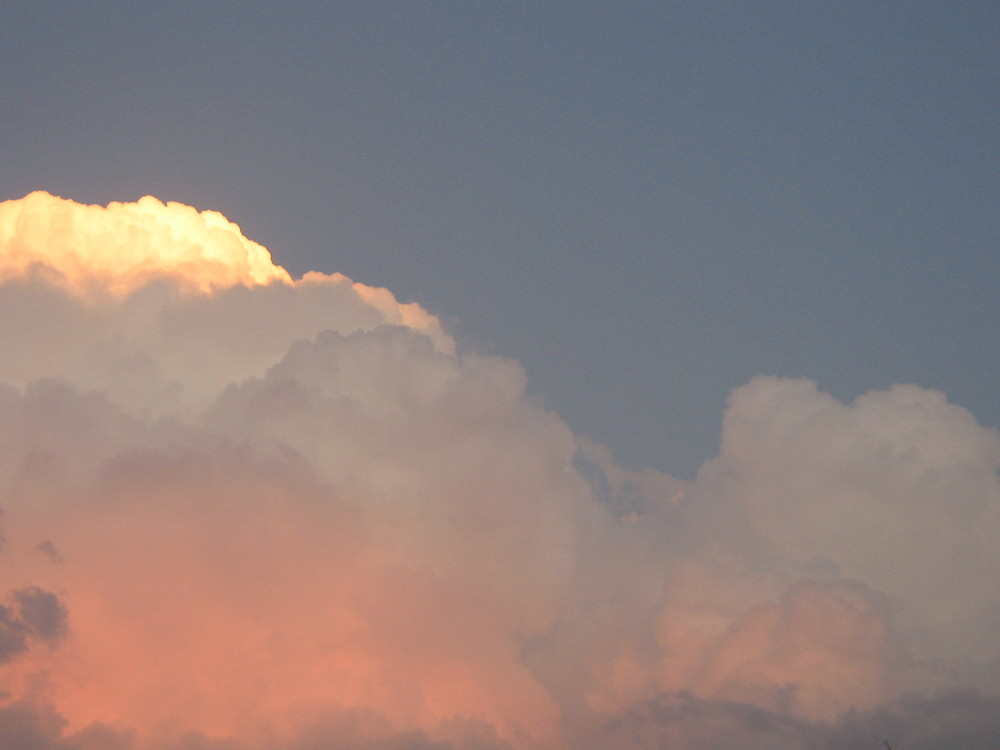 die Sonne hinter Kroatien´s Wolken