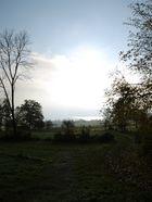 Die Sonne im Herbstsee