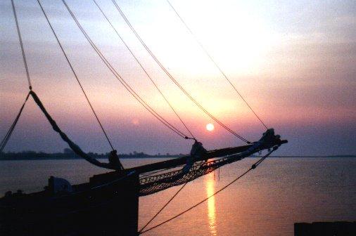 Die Sonne in Dänemark und Kutter.
