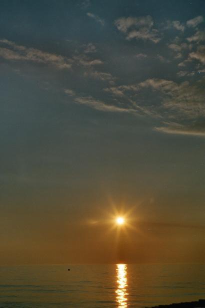 Die Sonne ist auch nur ein STERN ! ! !