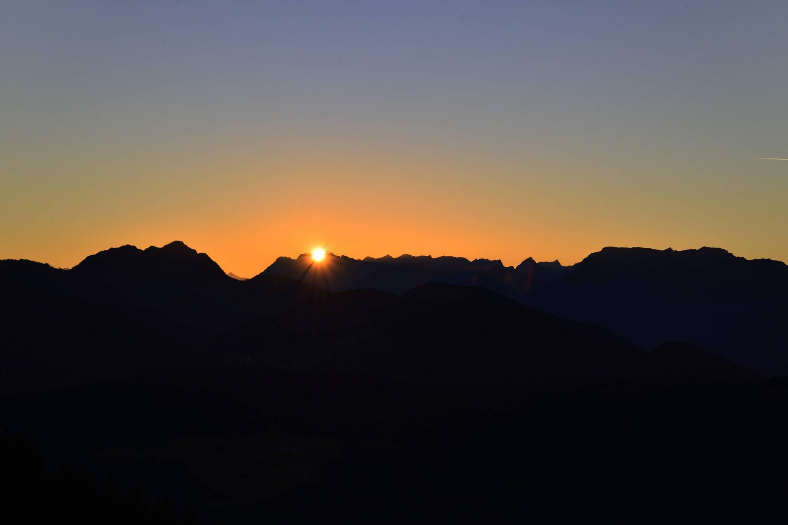 Die Sonne versinkt im Karwendel