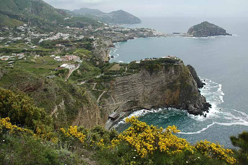 die Sorgeto-Bucht bei Panza/Ischia....