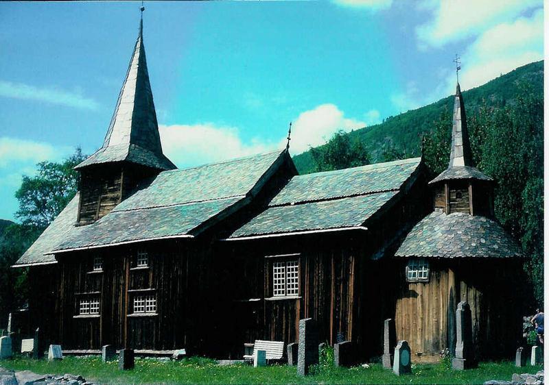 Die Stabkirche von Lomen (1)