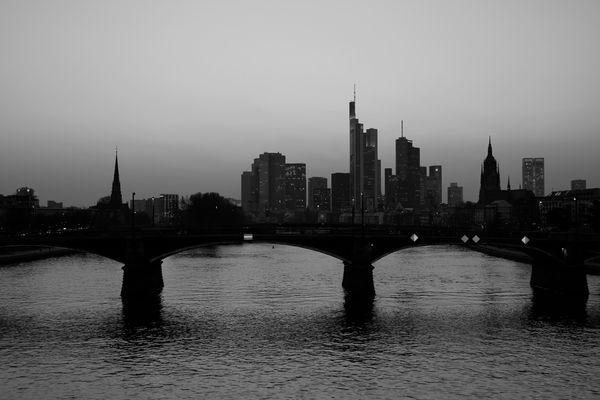 Die Stadt auf der Brücke