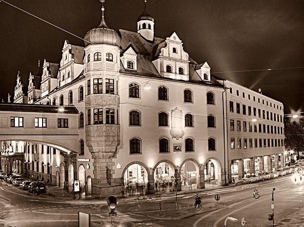 Die Stadtsparkasse in München im Tal