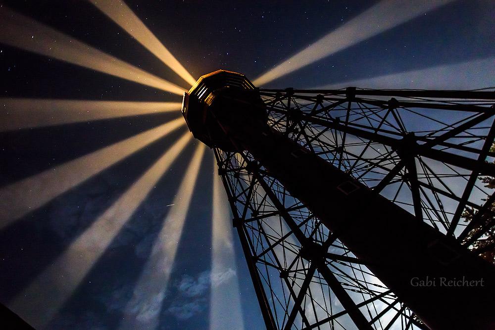 Die Strahlen des Leuchtturms