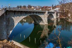 Die Strassenbrücke nach Eglisau ZH ...
