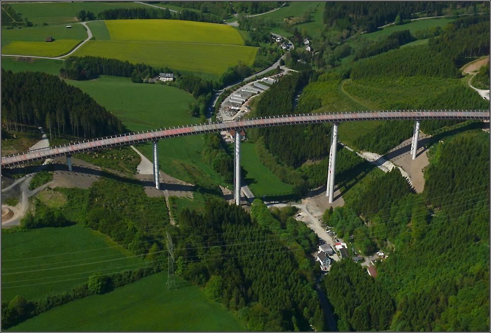 "Die Talbrücke ""Nuttlar"" (2)"