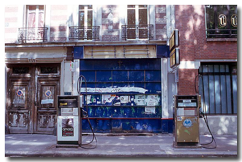 Die Tankstelle am Quai de Valmy