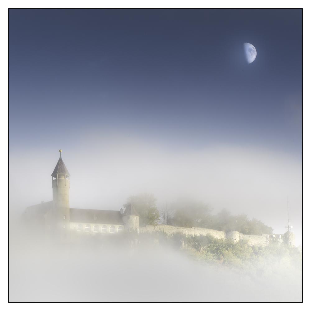 Die Teck im Nebel