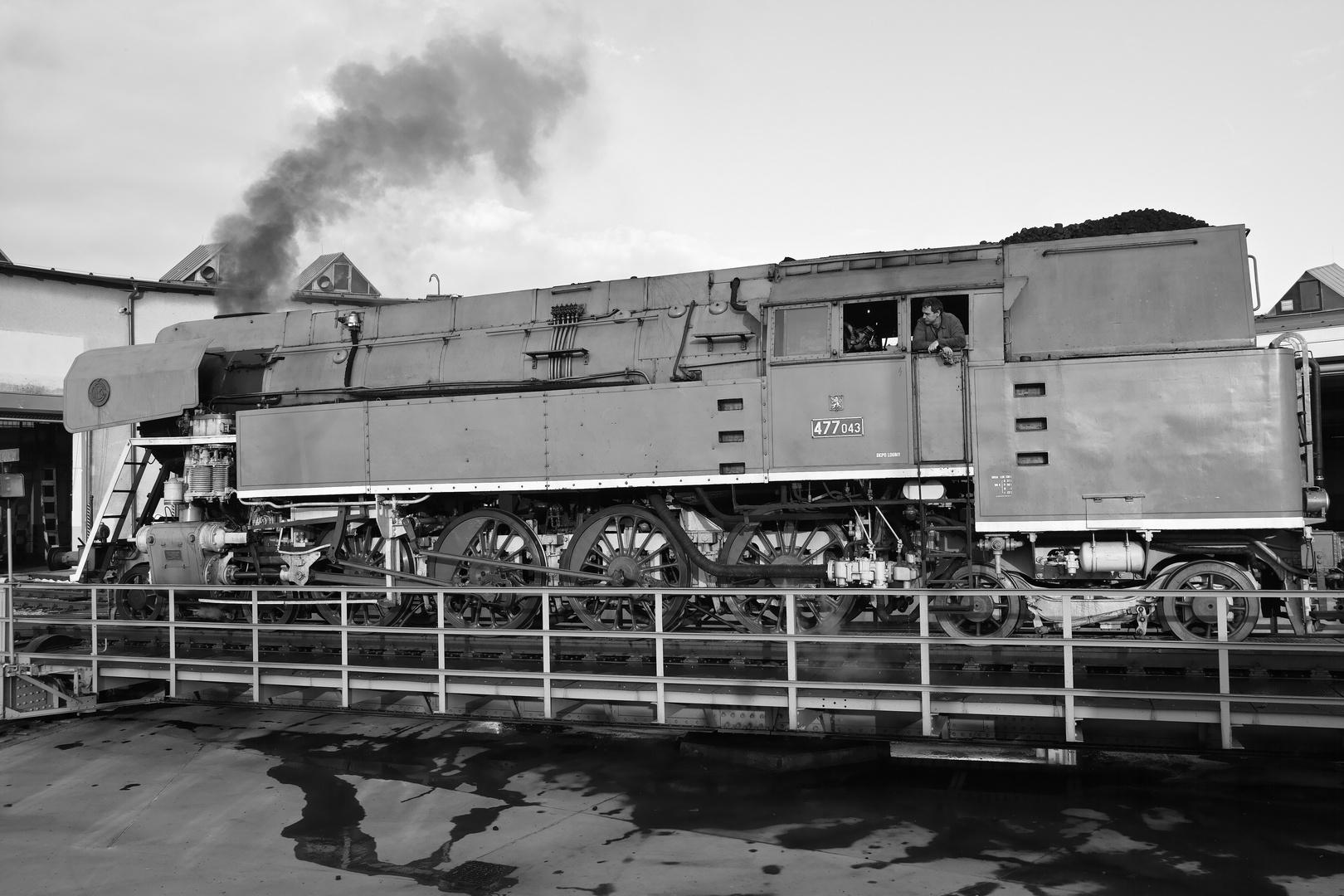 Die Tenderlokomotive 477 043