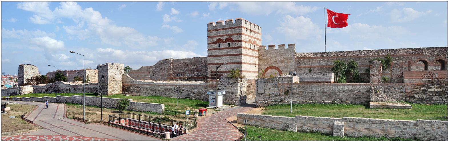 Die Theodosianische Landmauer
