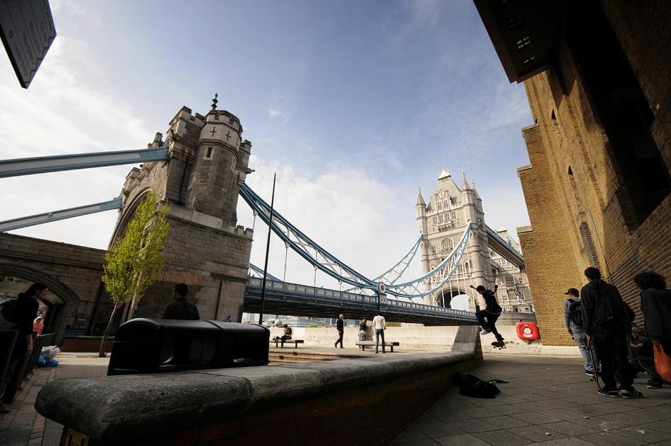 ... die Tower Bridge Skate Board Gang