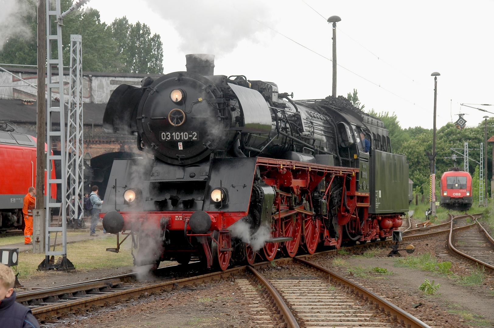 Die Traditionslok 03 1010 im ehemaligen Bw Berlin-Ostbahnhof, Est Lichtenberg