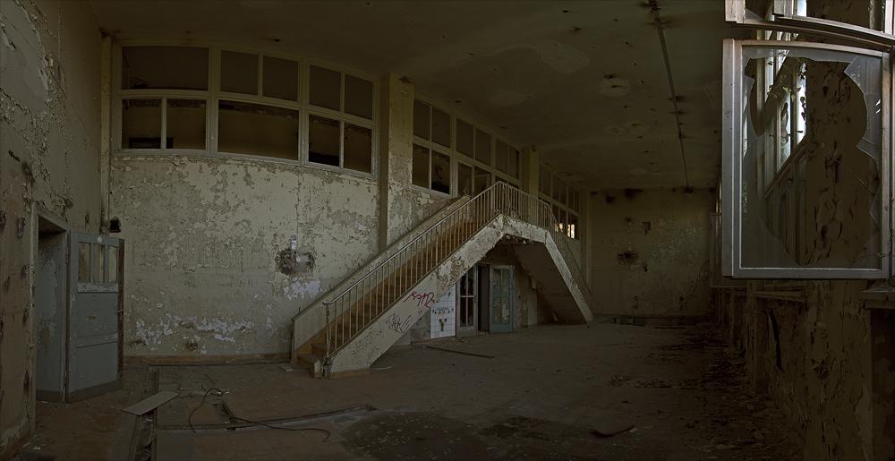 die Treppe ins ...