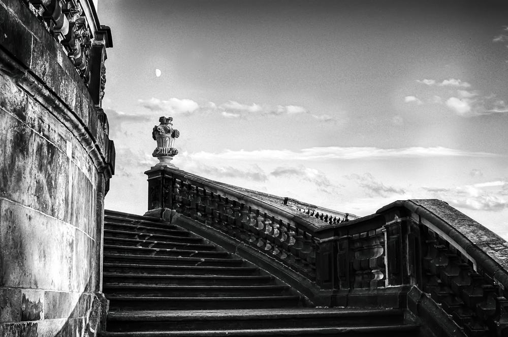 Die Treppe rauf bis fast zum Mond