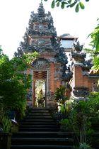 ..die Tür zum Saraswati Tempel...