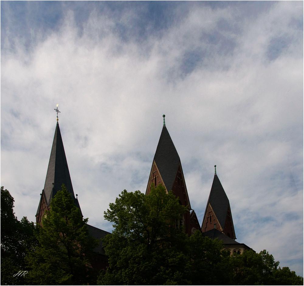 Die Türme des sauerländers Domes in Neheim.