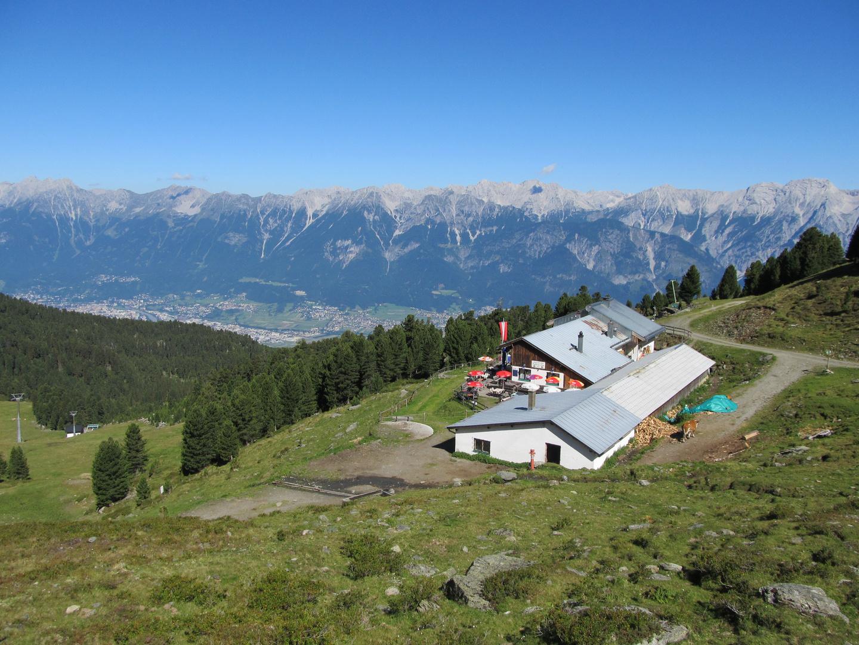 Die Tulfein Alm unterhalb des Glungezers in den Tuxer Alpen