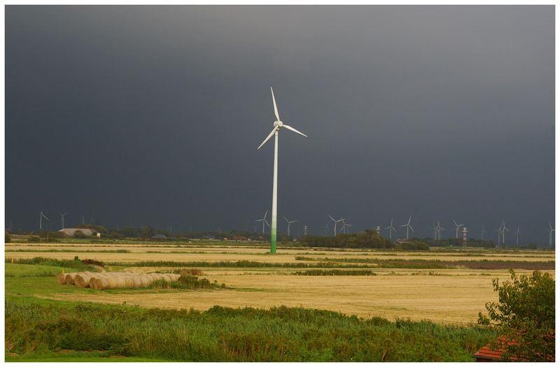 Die Unwetterfront kommt näher....Norddeich /Ostfriesland....